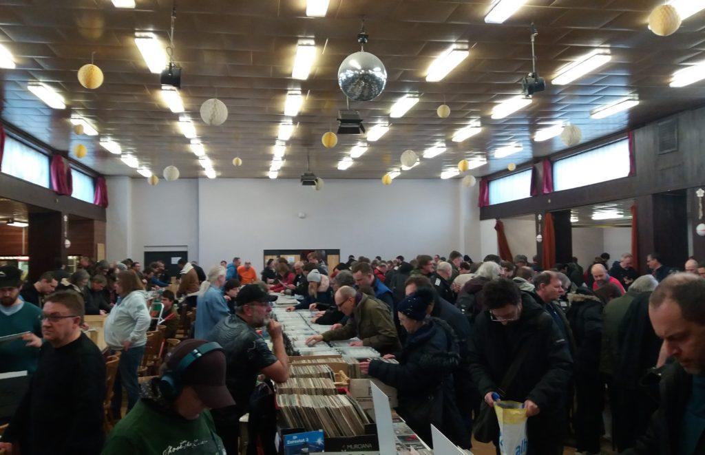 Burzy vinylů a CD v Praze